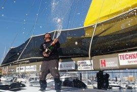 Arnaud Boissières lors de son arrivée au Vendée Globe 2020. Il reprendra la mer le 7 novembre 2021 pour la Transat Jacques Vabre.